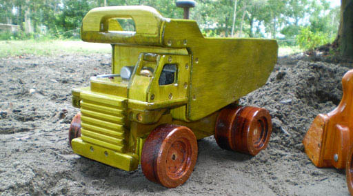Dump Truck wooden toy plan