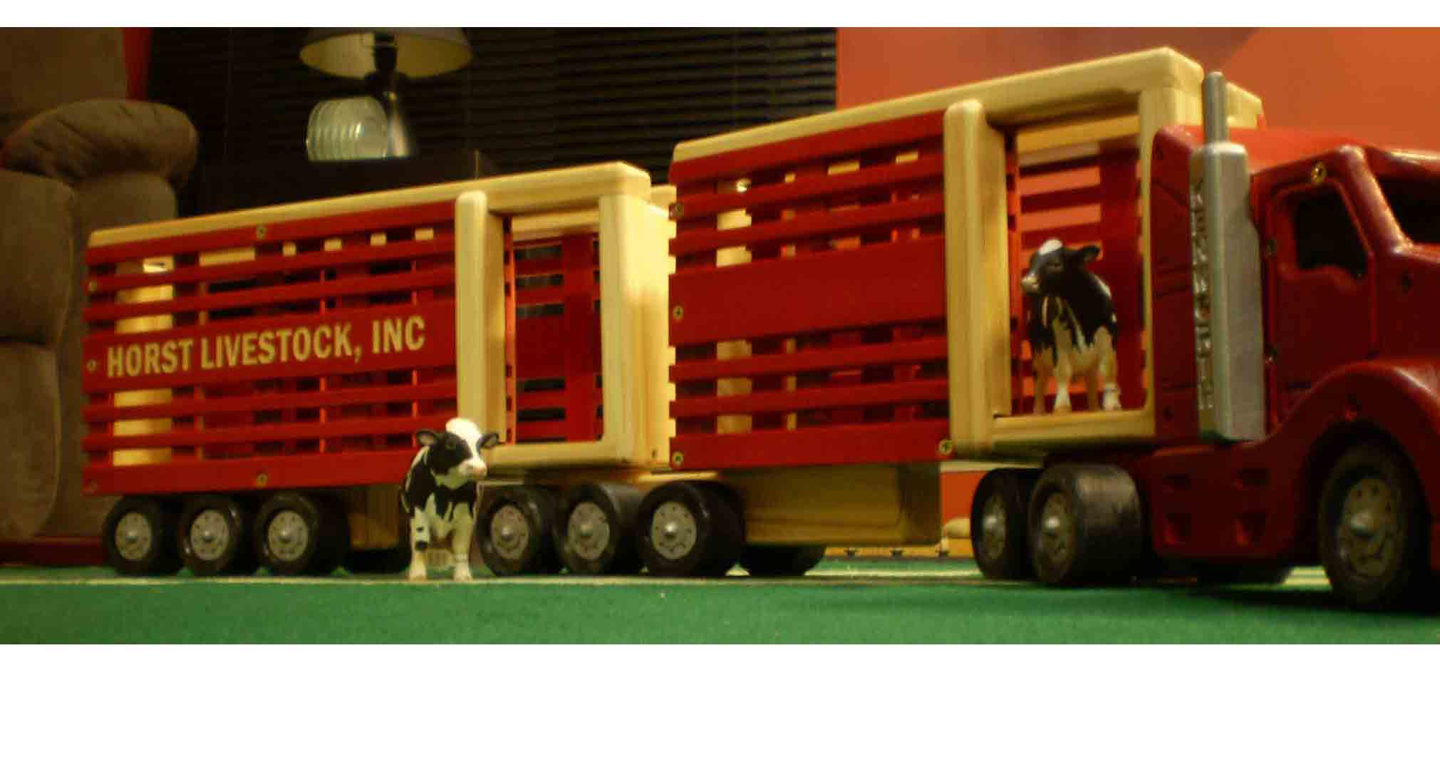 Stock cattle trailer toy plan